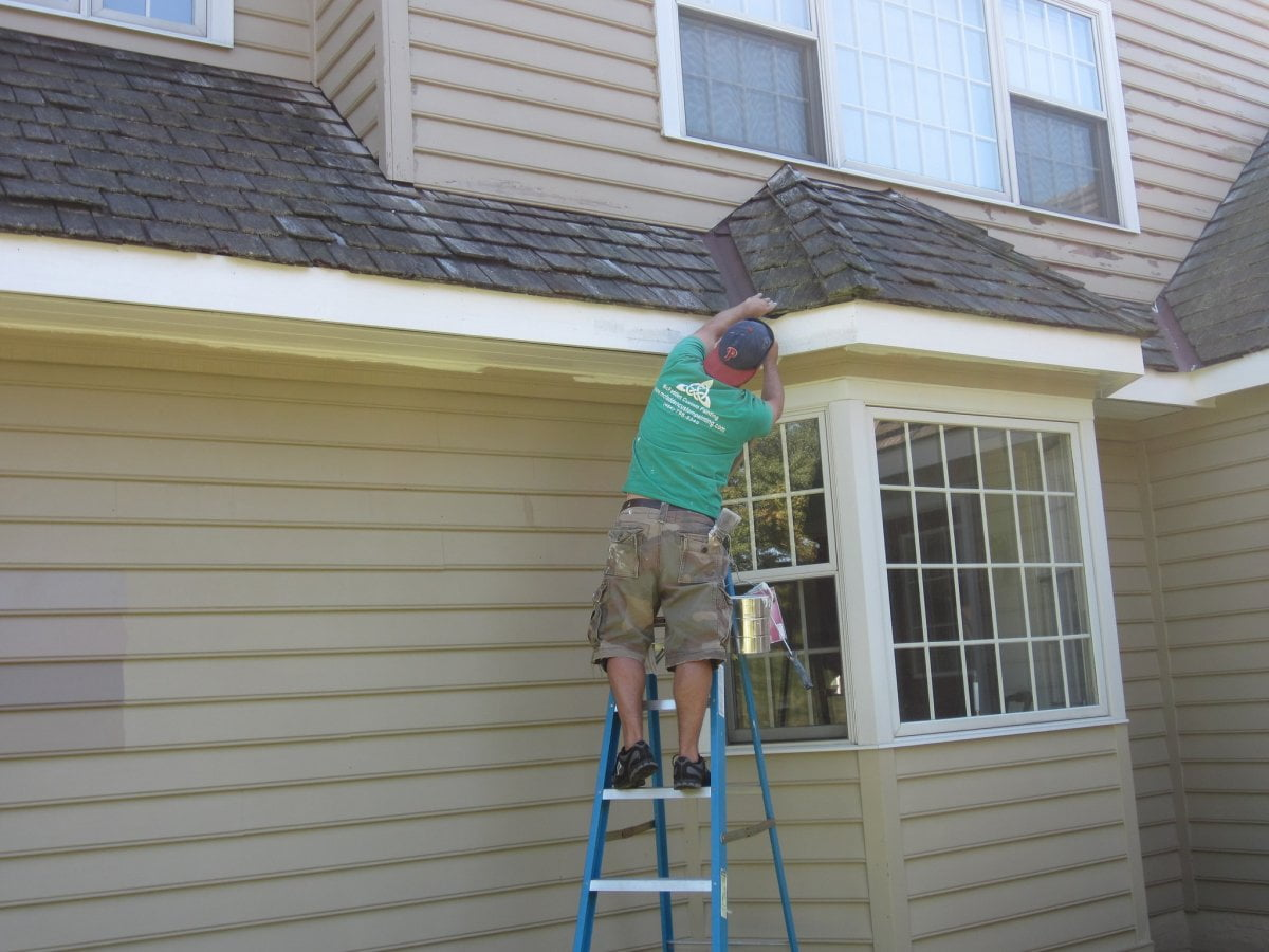 Can You Pressure Wash Soffits? | Local Pressure Washing, Tampa Bay Pressure Washing | Peter's Pressure Washing