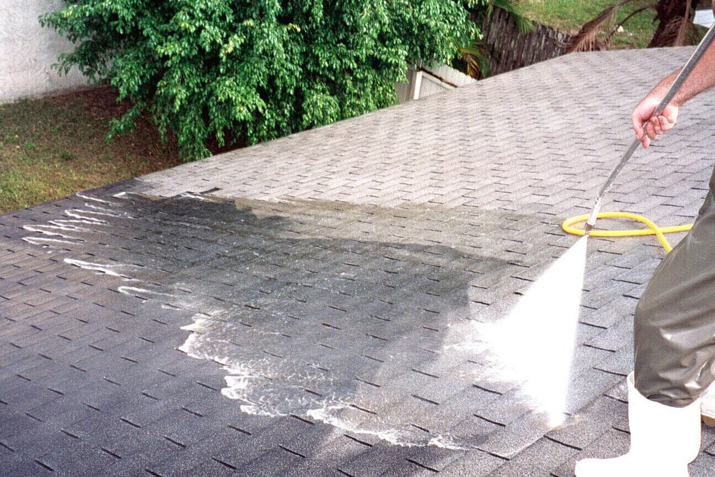 How To Choose The Best Pressure Washing In Tampa Bay | Peter's Pressure Washing