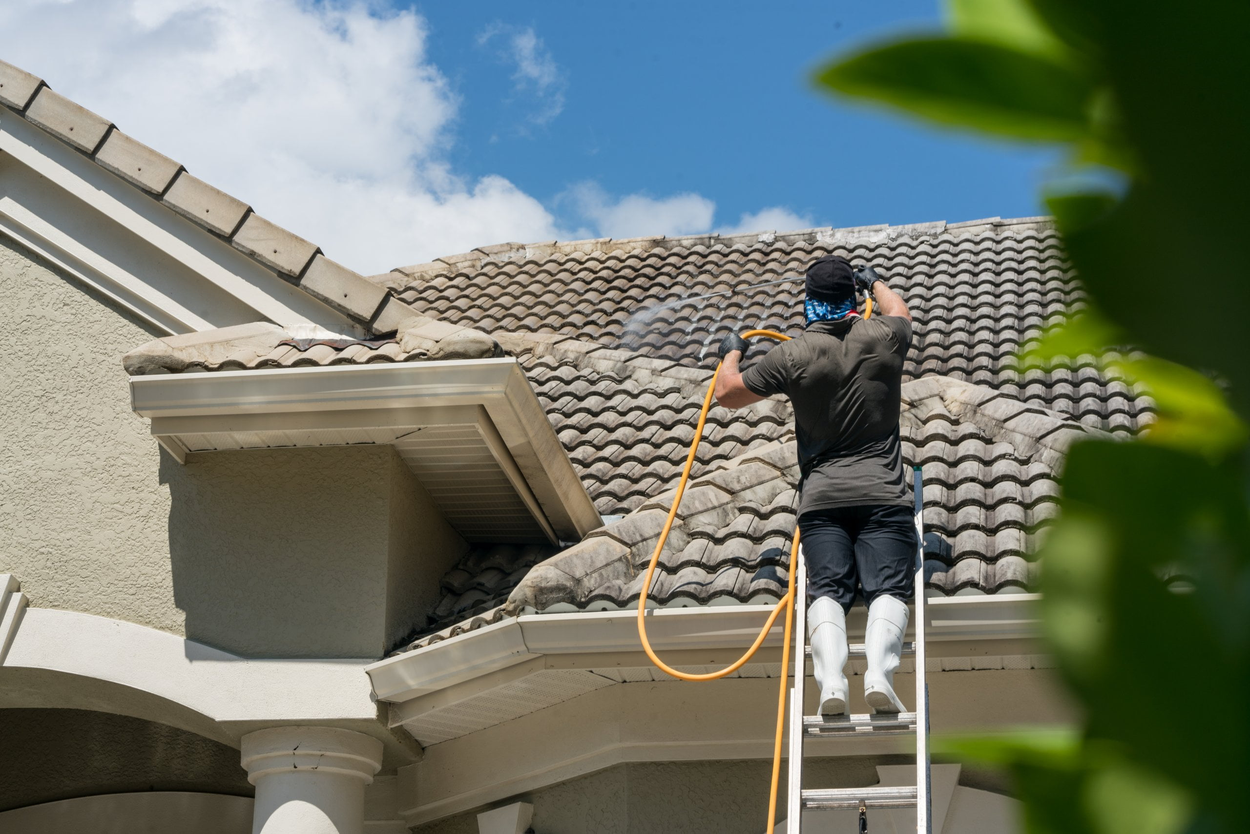 How To Choose Pressure Washing Near Me Services